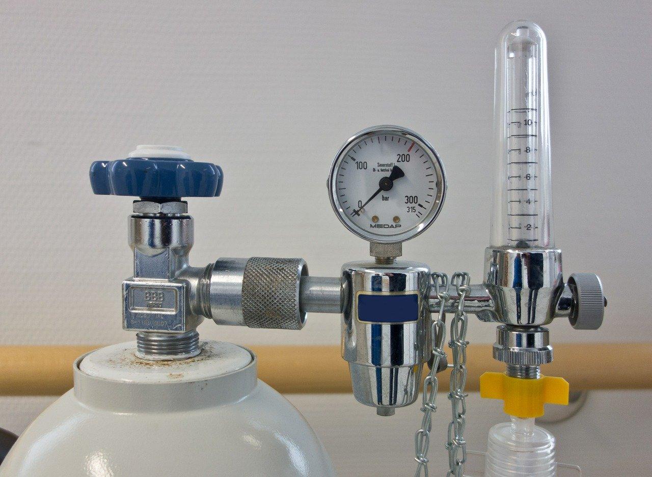 Bouteille d'oxygène, manodétendeur et débitlitre